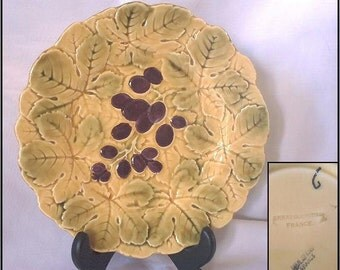 Majolica SARRENGUEMINES France Grape Plate