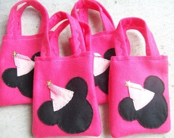 MINNIE MOUSE PARTY/felt party bags/ Set of 6 Party bags favor/minnie supplies
