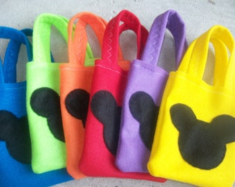 MICKEY MOUSE PARTY/ Felt party bags/ set of 6 Party favor/ candies bag/ mickey mouse party supplies