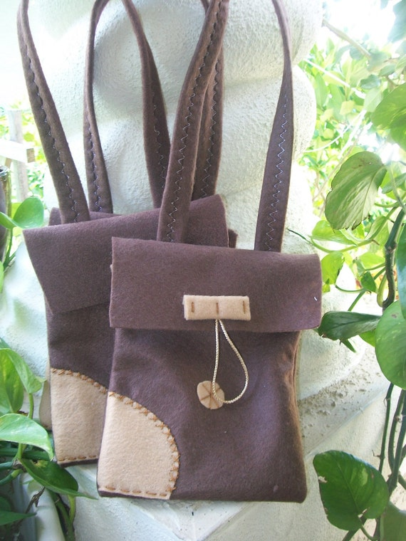 FLYNN SATCHEL BAGS/Rapunzel felt party bags/ Set of Satchel favors/ tangled/party supplies