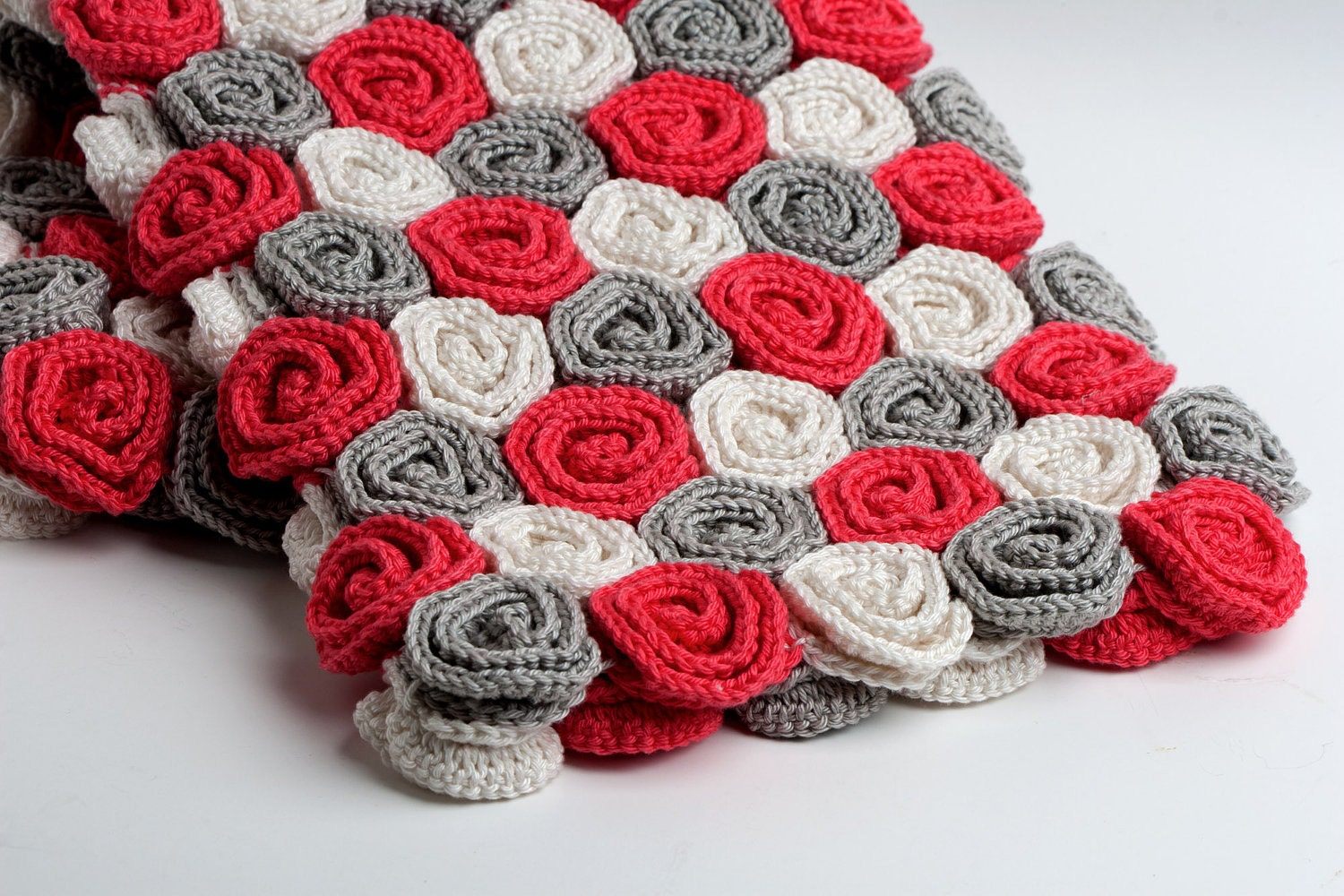 Items similar to Crochet Pattern Rose Field Baby Blanket ...
