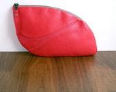 Leather Handbag - LOU Leaf Clutch in Red Lambskin