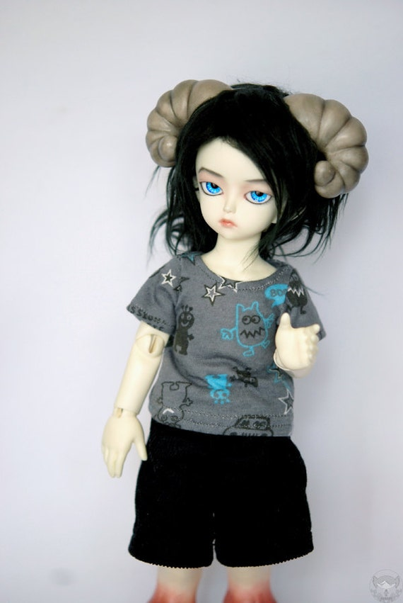 BJD Clothes YoSD Grey Monster T Shirt