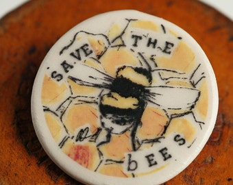 Save the Bees Badge Yellow Honey combe