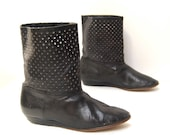 size 7.5 CUTOUT black leather 80s DIAMOND ankle booties