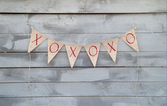 Burlap banner XOXOXO glittered red
