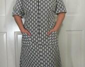 Plus Size 60s Mod Brown White Dress size XL / 1X
