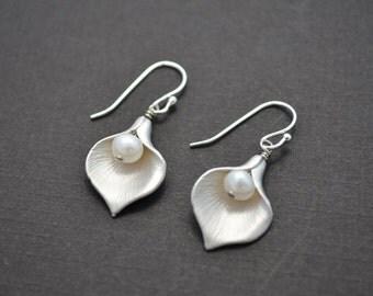 10% OFF,Calla earrings,Lily earrings,Pearl earrings,Silver earrings,Wedding earrings,Bridal jewelry,Clip earring,Earrings set,Christmas gift