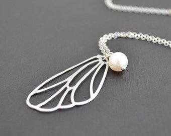Butterfly necklace, Wing necklace, Pearl Necklace,Dainty necklace,Christmas gift,Anniversary gift,Mother's Day Gift,Silver necklace