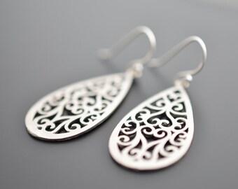 30% OFF, Modern Paisley Drop Earrings, Silver Earrings, Christmas gift, Valentines gift, Drop earrings, Clip earrings, Mother's Day Gift