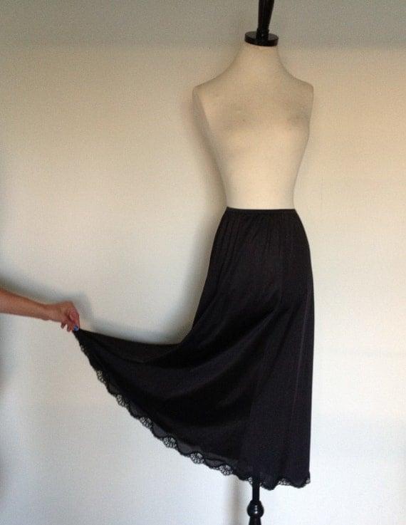 maxi skirt half slip 70s by drefindsvintage