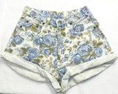 Vintage High Waisted Denim Floral Pattern Shorts - Size 7/8