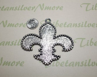 1 pcs per pack 79x74mm 1.5mm thickness Large Fleur De Lis Filler Pendant Antique Silver Finish Lead Free Pewter.