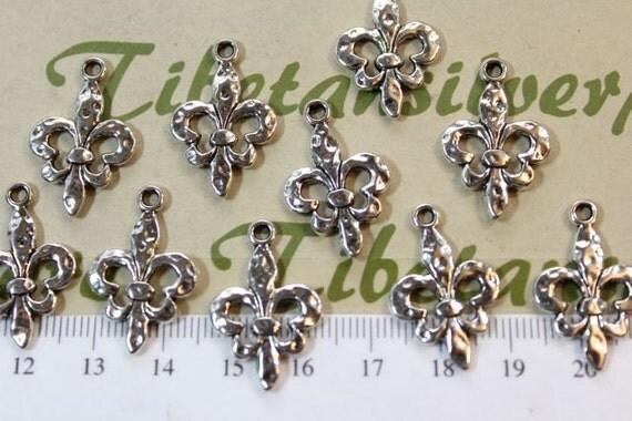 12 pcs per pack 25m Fleur de Lis Hammered Charm Antique Silver Finish Lead Free Pewter