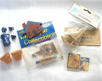 Destash lot of miniatures accessories