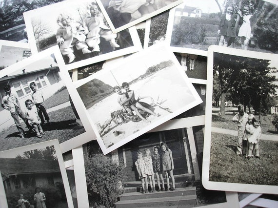Great Collection of 21 Vintage Snapshot Photos - Best Friends