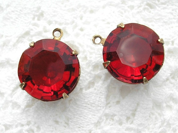 Set of Two Siam Ruby 15mm Round Czech Glass Jewel Charm Pendants - Antiqued Brass