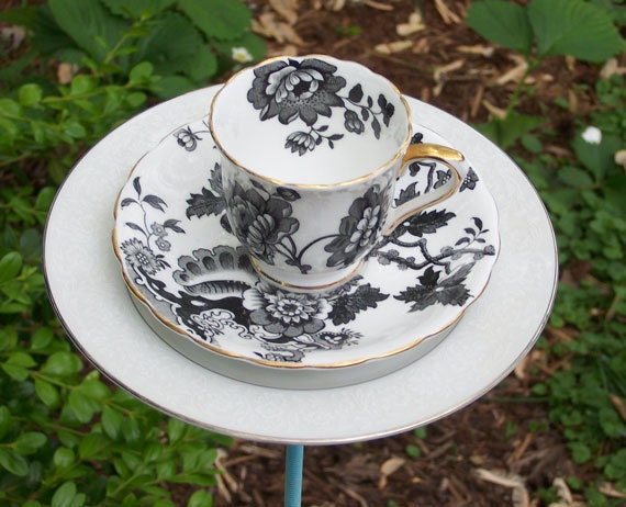 Black and White Floral Tea Cup Bird Feeder - Garden Decor