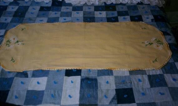 Dresser scarf or table runner