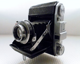 Vintage 1950c Zenobia Folding Bellow Camera.  Medium Format 4.5x6cm Image on 120 film