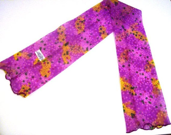 Retro Scarf or Hair Accessory Fushia Pattern Distributed by F.W. Woolworth