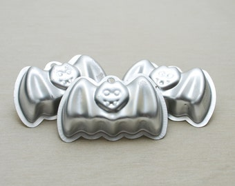 Halloween Bat Cake Molds - Small - Set of 3