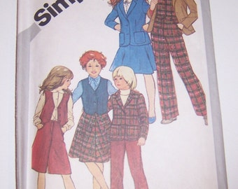 Vintage Simplicity 1981 Girls Skirt Culottes Straight-Leg Pants Lined Vest  And Unlined Jacket Uncut Size 7 Pattern 5250 - Back To School