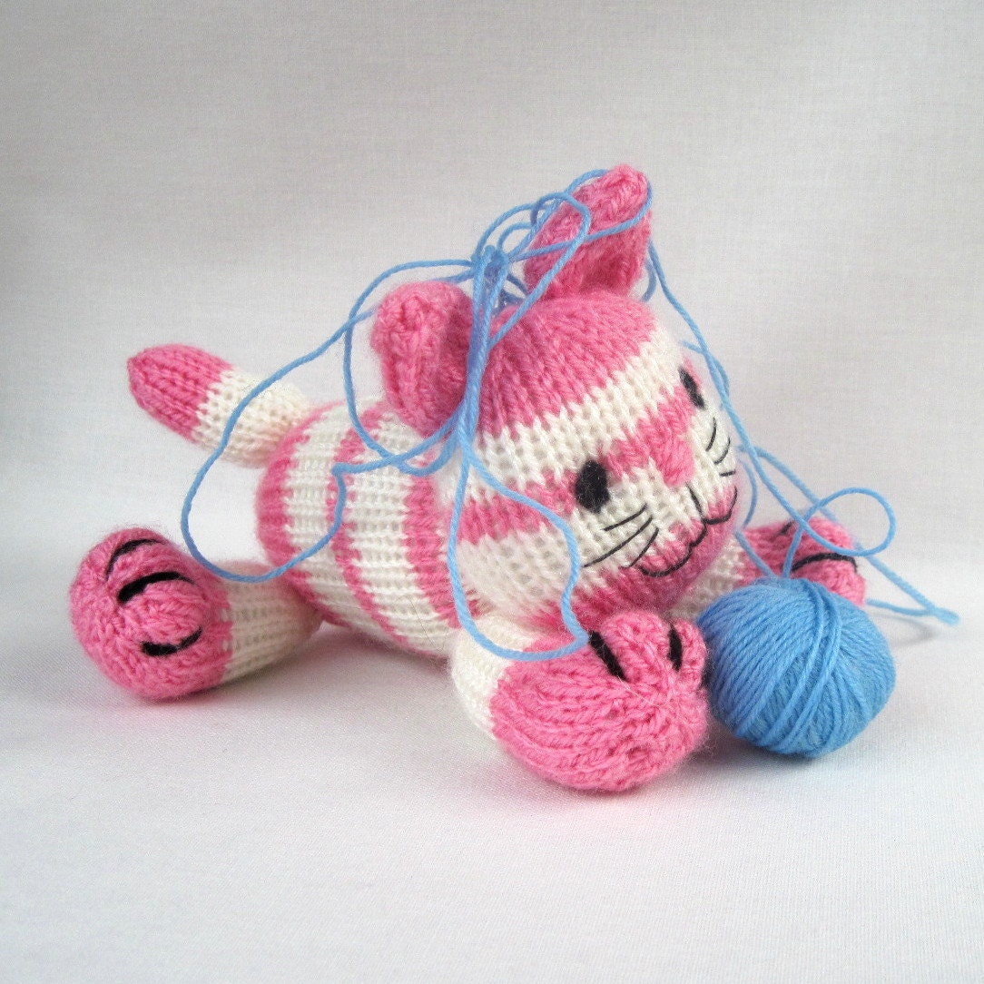 Knitting Pattern For A Toy Cat : Cupcake the kitten toy cat knitting pattern PDF INSTANT