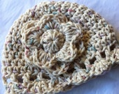 Crochet Baby Hat with Flower in Cotton, Photo Prop, Cream, Baby, Newborn, Baby Girl, Crochet Hat