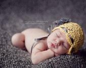 SALE - Scalloped Bonnet - NB Sized - Beautiful Photography Prop