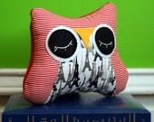 Owl Pillow Stuffed Animal - Sleepy Snuggle for your Modern Baby
