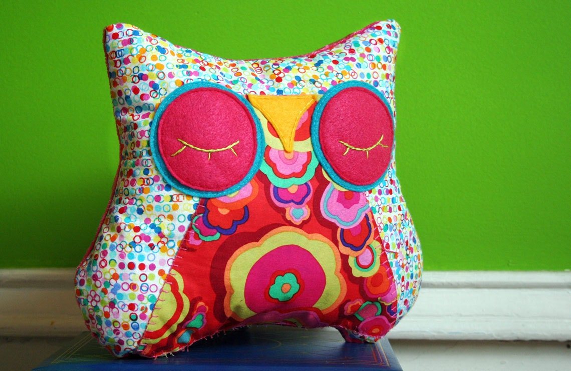 Animal Snuggle Pillows : Stuffed Owl Animal Pillow Sleepy Snuggle for your by MioBabyVerdi