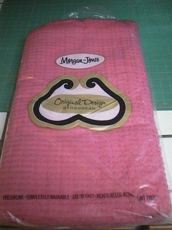 RESERVED - Nos Vintage Morgan Jones Rose PINK Button 'N Bows Chenille Bedspread - Free Shipping
