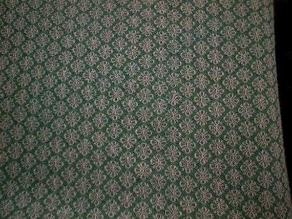 """Bates GREEN with WHITE Shamrocks Vintage Woven Chenille Bedspread Fabric - 24"""" X 24"""""""