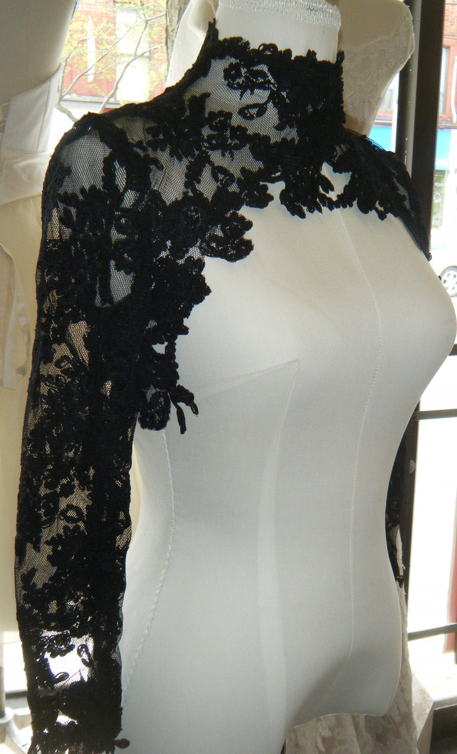 Couture lace bolero high fashion black lace for Couture high fashion