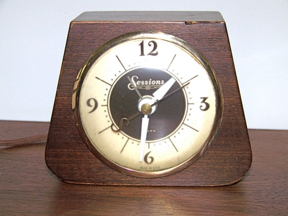 Vintage Decor Sessions Wooden Electric Alarm Clock