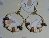 Wooden bead hoop earrings - E156