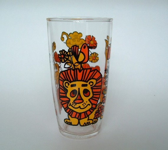 RESERVED FOR A      Vintage Sour Cream Glass 1 Pint Tall Jungle / Zoo Animals