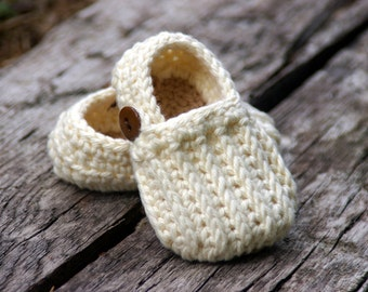 Baby Shoe Crochet Pattern Easy  On Loafers  - knit look crochet  Crochet Pattern 104 - Instant Download L