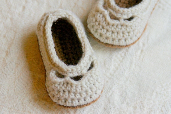 Crochet Pattern  - Baby shoe Yoke Ballet Slipper PDF sizes  Pattern number 109 - Instant Download L