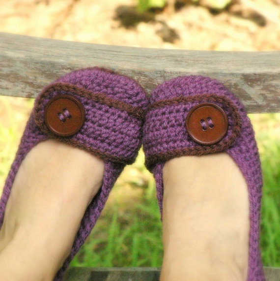 Violet Womens House Slipper PDF crochet pattern - six sizes included - Women's 5 - 10  - Pattern number 205 Instant Download