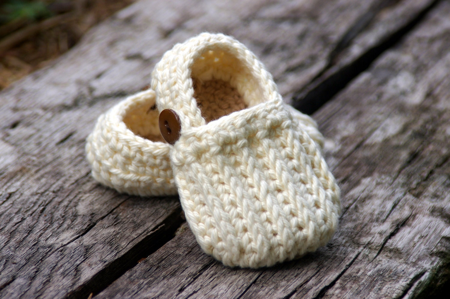 Crochet Baby Booties Pattern With Pictures : Baby Booties Crochet Pattern Easy On Loafers Knit look