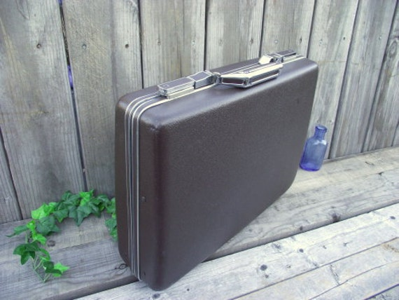 Amazing Vintage American Tourister Briefcase with Key & Original Tags