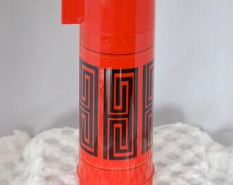 Aladdin red thermos black design