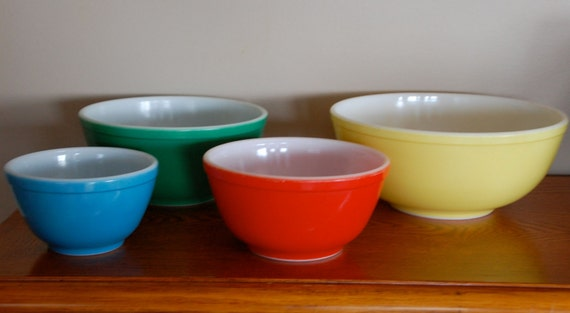 Pyrex Primary Colors mixing bowls set nesting bowls 400 series