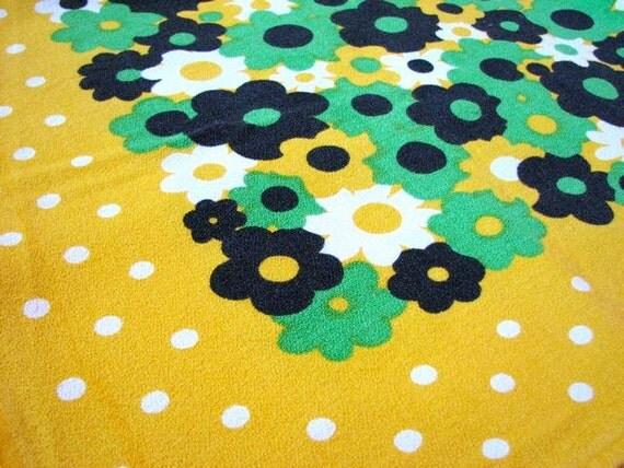 Vintage Linen Tablecloth - Retro Table Cloth - Vintage Linens - Groovy 1960s Home Decor