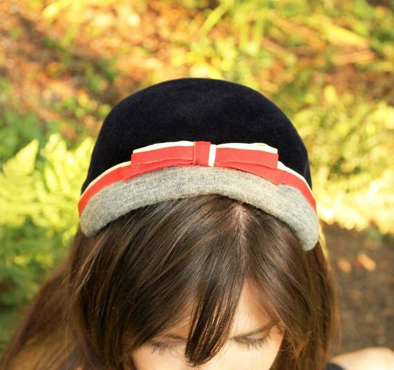 """1940s Hat -  Navy -  The """"Uptown Girl"""""""