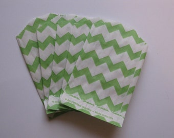 "Set of 10 Green and White Chevron Bitty Bags (2.75"" x 4"")"