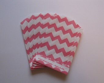 "Set of 20 Pink and White Chevron Bitty Bags (2.75"" x 4"")"