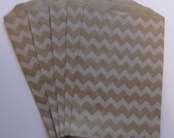 "Set of 10 Soft White Chevron Design on Kraft Middy Bitty Bags (5"" x 7.5"")"